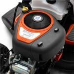 A Briggs and Stratton által a Husqvarna számára kifejlesztett motort magas specifikációjú olajszűrő, nyomó olajzás, rezgéscsökkentő rendszer és automata szívató jellemzi.